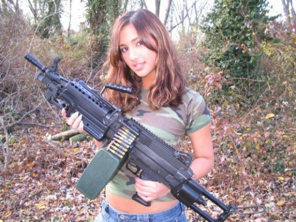 machine-gun-girl