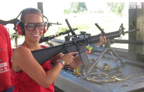 blonde-chick-rifle